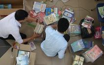 Quyên góp hàng ngàn bộ sách giáo khoa cũ tặng học sinh miền Trung