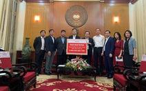 HVN trao tặng 3 tỉ đồng và hàng trăm máy móc cho miền Trung