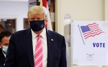 Ông Trump đi bỏ phiếu bầu cử sớm