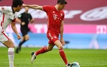 Lewandowski lập hat-trick, Bayern vùi dập Frankfurt