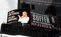 Quảng cáo tại Quảng trường Thời đại mang tính 'cáo buộc', con gái và rể ông Trump dọa kiện