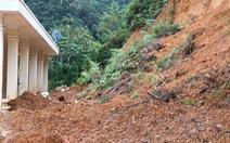 Đất đá đổ xuống đồn biên phòng biên giới Việt - Lào, di dời khẩn cấp