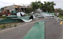 1 người chết, 56.000 nhà dân 'bay nóc' sau bão số 9