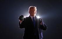 Ông Trump vượt đối thủ Biden trong thăm dò ở một số bang