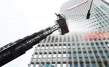 Huy động nhiều phương tiện hiện đại 'chữa cháy'  tòa nhà Vietcombank Tower