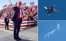 Tiêm kích F-16 bắn pháo sáng chặn máy bay gần nơi ông Trump vận động