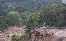 Mưa lớn tiếp tục gây lở núi, đường vào Nam Trà My bị chia cắt.