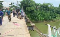 Vụ ôtô rơi sông 5 người chết: tài xế không làm chủ tốc độ