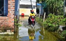 Dân kêu trời vì nước ngập gần cả tháng chưa rút