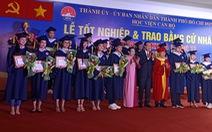 Học viện Cán bộ TP.HCM trao bằng cử nhân cho lứa sinh viên hệ chính quy đầu tiên