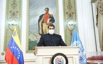Tổng thống Venezuela, con trai và chị tiêm vắc xin Sputnik V của Nga