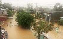 Miền Trung nơi lũ rút, nơi vẫn ngập sâu, mưa to