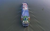 Đón tàu chở các toa metro số 1 về Sài Gòn từ phao số 0