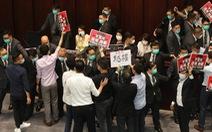 Hong Kong bắt 7 nghị sĩ và cựu nghị sĩ 'gây rối' hồi tháng 5