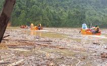 Quần thảo trên sông tìm kiếm người mất tích Trà Leng