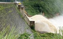 Quảng Nam: Mưa lớn, hồ thủy lợi, thủy điện xả nước, miền núi sơ tán dân tránh sạt lở