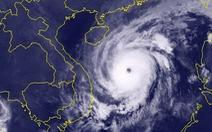 Tối nay bão số 13 mạnh lên, giật cấp 16, cách Hoàng Sa 190km