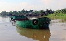 Nổ súng bắt 'cát tặc' trên sông Đồng Nai