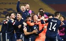 Đánh bại Serbia trên chấm luân lưu, Scotland giành vé dự VCK Euro sau 25 năm