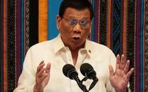 Ông Duterte cảnh báo 'trò chơi nguy hiểm' trên Biển Đông