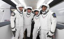 Thừa thắng xông lên, sáng mai SpaceX đưa 4 nhà du hành lên ISS