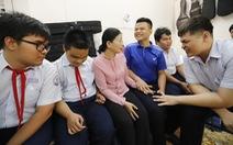 Cô giáo 31 năm gắn bó với học sinh khiếm thị