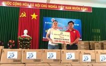 P&G Việt Nam hỗ trợ nước uống sạch và quà cho người dân vùng lũ