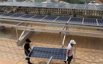 Xử sao với pin mặt trời hết đát?