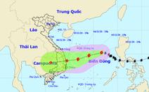 Tâm bão số 10 đêm nay cách Hoàng Sa 510km, gió giật cấp 10