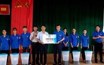 Trung ương Đoàn tặng 100 máy lọc nước cho người dân vùng lũ Quảng Bình
