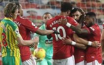 Man United lại thắng nhờ phạt đền, xứng danh Penchester