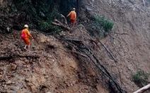 Đường bị biến thành suối, 2 bản vùng núi ở Quảng Trị vẫn chưa có điện