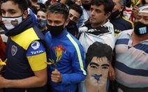 Hàng vạn người xếp hàng vào Phủ tổng thống vĩnh biệt huyền thoại Maradona