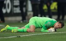Mới hết COVID-19, thủ môn Filip Nguyen mắc sai lầm khiến đội nhà 'gần như bị loại'