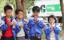 Mang thực phẩm sạch đến người già, trẻ em khó khăn ở Hà Tĩnh
