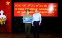 Khen thưởng đột xuất cho lực lượng công an đã bắt giữ vụ '51kg vàng'