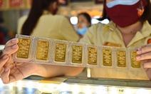 Mỗi ngày hơn 3.000 lượng vàng bán ra ở Sài Gòn