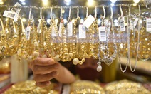 Giá vàng trong nước tiến gần đến ngưỡng 57 triệu đồng/lượng