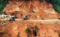 Sạt lở liên tục 'cày phá', chia cắt nhiều tuyến đường miền núi Quảng Ngãi