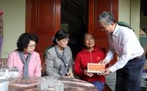 Đoàn đại biểu TP.HCM thăm, hỗ trợ 2,2 tỉ đồng cho Nghệ An khắc phục bão lũ