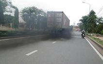 Xe cũ xả khói đen vẫn chạy, cà phê gần nhà cũng lái ô tô, làm sao giảm khí thải?
