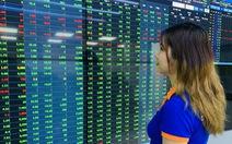 Giá cổ phiếu tăng nóng, ngân hàng dồn dập lên sàn HoSE