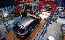 Hãng xe Daimler trao 'tiền thưởng corona' bù đắp cho nhân viên