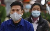 Xét xử cựu giám đốc CDC Hà Nội và đồng phạm nâng giá máy xét nghiệm COVID-19