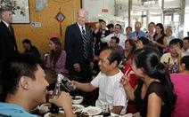 Quán mì ông Biden từng ăn ở Bắc Kinh 9 năm trước nay nổi như cồn, thêm món ăn 'Biden'