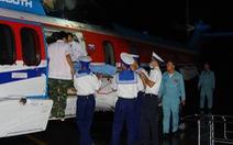 Vượt thời tiết xấu, bay xuyên đêm đưa bệnh nhân về đất liền cấp cứu