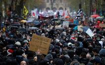 Biểu tình chống dự luật an ninh ở Pháp, gần 150 người bị bắt