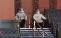 Hai bộ trưởng Malaysia tiếp xúc bệnh nhân COVID-19 vẫn đi bỏ phiếu ở Quốc hội