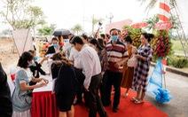 Sôi động giao dịch tại lễ cất nóc nhà phố thương mại Ha Tien Centroria