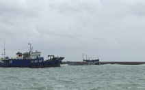 Tàu hàng bị nghiêng trên vùng biển Phú Quý, khẩn trương cứu nạn, ứng phó sự cố tràn dầu